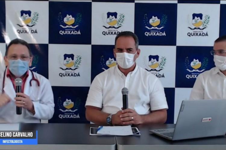 As medidas foram anunciadas em transmissão online na tarde dessa segunda-feira, 1°.  (Foto: Reprodução/ Facebook Prefeitura de Quixadá)