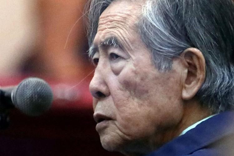 O ex-ditador, atualmente com 82 anos e cumprindo uma pena de 25 anos de prisão por violação dos direitos humanos, governou o Peru entre 1990 e 2000 (Foto: Reprodução/Twitter/vonivar)
