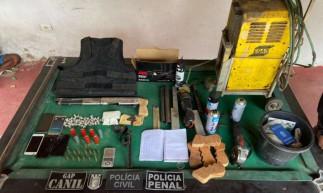 Material apreendido encontrado em fábrica clandestina em Beberibe