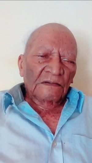 Apesar da dificuldade de locomoção e da perda de visão, Antônio Pereira Lima vive seu centenário de forma lúcida. (Foto: Arquivo Pessoal)
