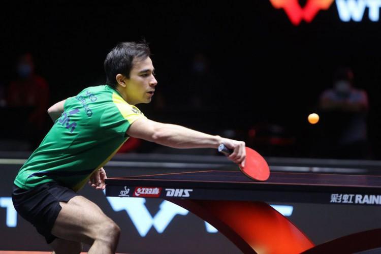 Calderano cai para companheiro de clube e dá adeus a torneio em Doha (Foto: RG/ITTF)