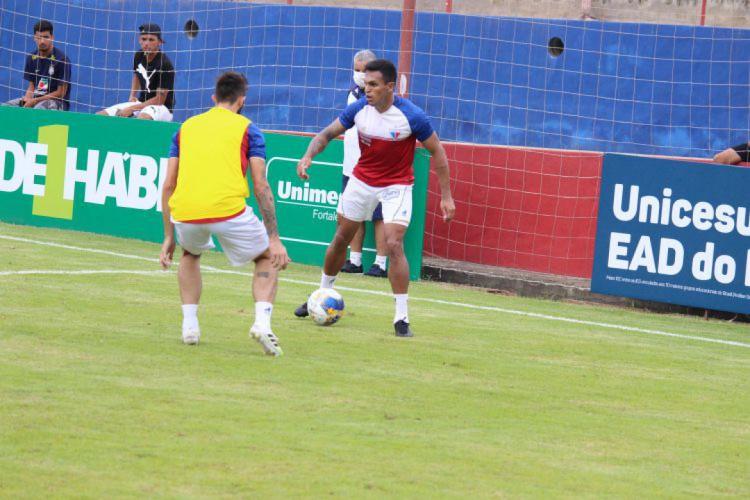Robson treina com restante do elenco do Fortaleza (Foto: Bruno Oliveira/FortalezaEC)