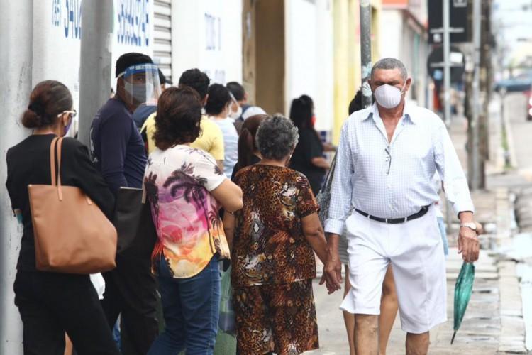 Centro da cidade de Fortaleza. Primeiro dia de lockdown na cidade, sexta-feira (5). (Foto: Fabio Lima/ O POVO)