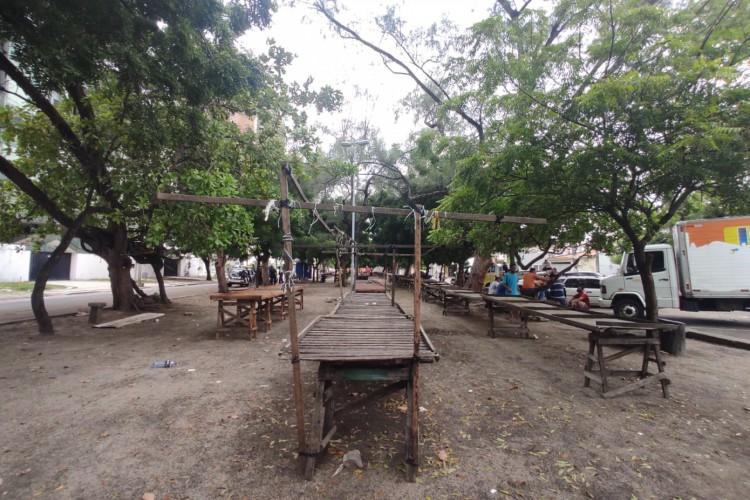 Feira na Cidade 2000. Primeiro dia de lockdown na cidade de Fortaleza (5). (Foto: Italo Cosme? O POVO)