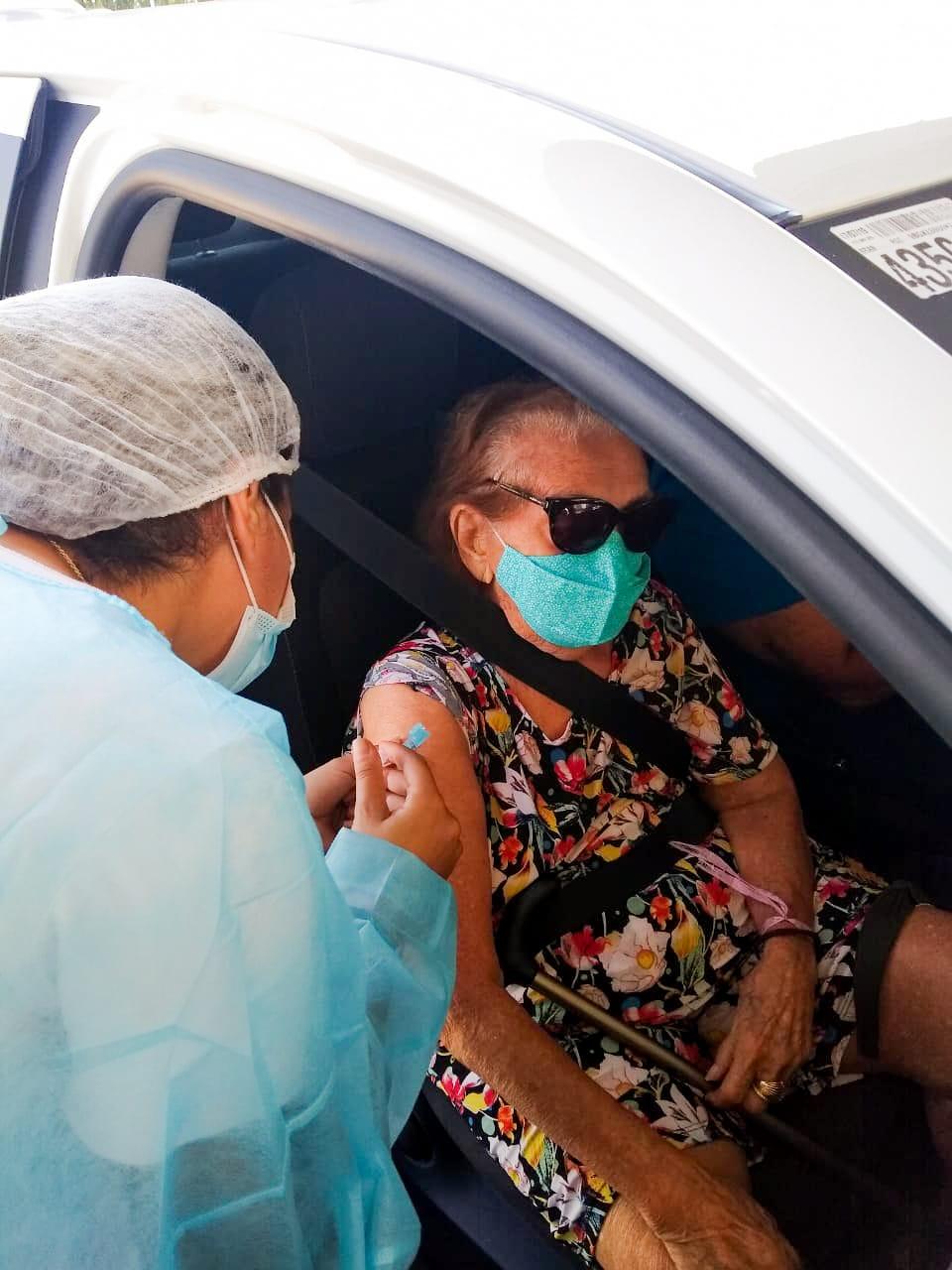 Dona Silvani já tomou a primeira dose do imunizante contra à Covid-19(Foto: Registro pessoal)