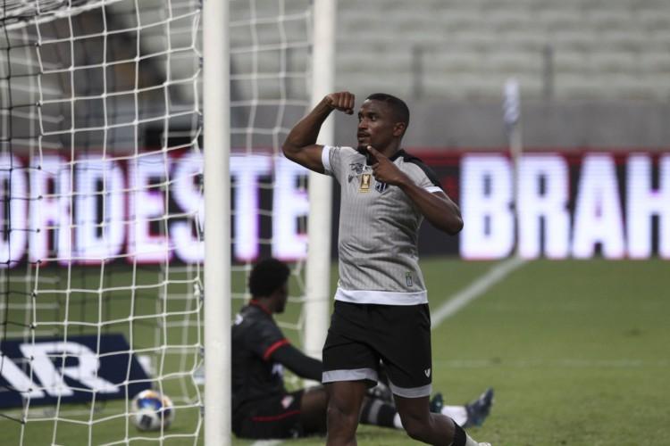 Entre os jogos de futebol de hoje, 31, destaque para Ceará x CSA pela Copa do Brasil (Foto: FABIO LIMA)