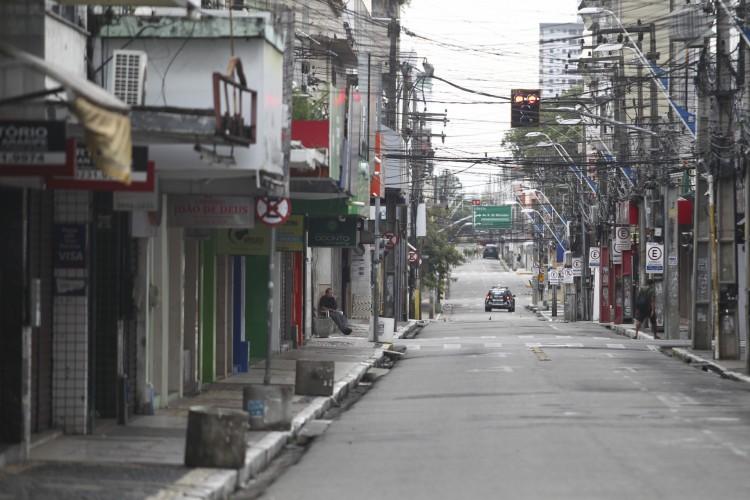 Fortaleza segue em lockdown até o dia 18 de março. (Foto: FABIO LIMA)
