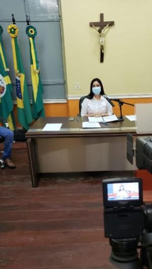 Prefeita Laís Nunes (PDT) anunciou medidas em live ontem, 7. Restrições passam a valer a partir de hoje, 8 (Foto: Richard Lopes)