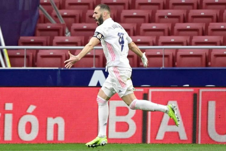 Benzema marcou o gol do empate em 1 a 1 de Real Madrid e Atlético de Madrid (Foto: Javier Soriano / AFP)