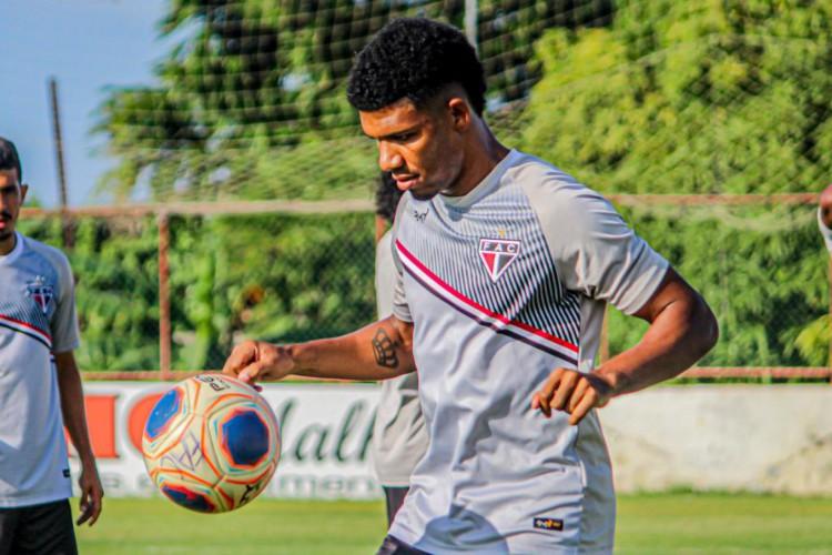 Adilson Bahia é o vice-artilheiro do Campeonato Cearense em 2021 (Foto: Lenilson Santos / FerroviárioAC)