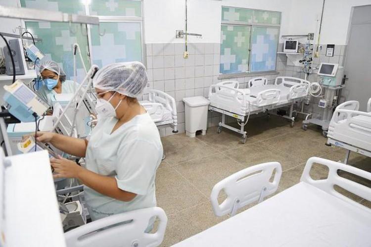 Governador publica imagens dos novos leitos instaladas no município de Horizonte, para o tratamento contra o Covid-19 (Foto: Reprodução/ Instagram/ Governador Camilo Santana)