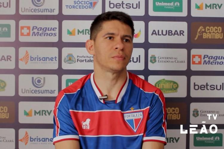 Osvaldo almeja melhorar desempenho no Fortaleza em 2021 (Foto: Reprodução / TV Leão)