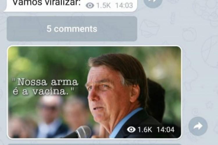 Após discurso de Lula, Flávio pede que divulguem foto de Bolsonaro com mensagem de defesa à vacina (Foto: Imagem: Reprodução)