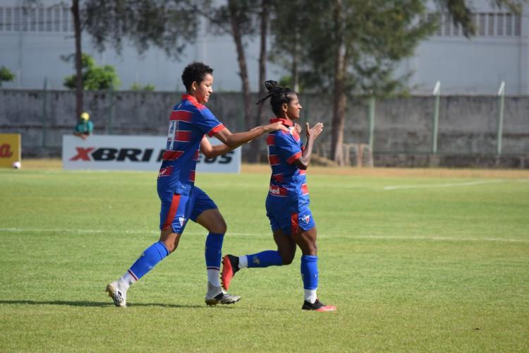 Ticiana comemora o gol da vitória do Fortaleza sobre o Ceará na final do Campeonato Cearense Feminino de 2020 (Foto: Thais Pontes/Fortaleza EC)