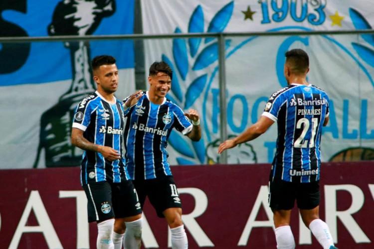 Grêmio goleou em casa o Ayacuchu-PER por 6 a 1 (Foto: Silvio Avila / Pool / AFP)