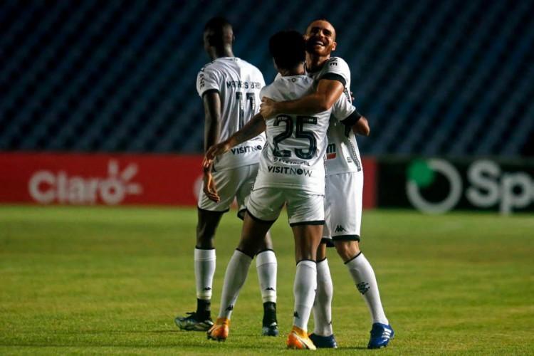 Botafogo fez 5 a 0 em cima do Moto Club e avança para próxima fase (Foto: Divulgação / Vitor Silva )