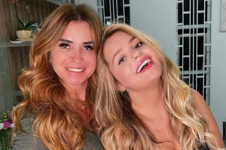 Tanto Viih Tube quanto a mãe, Viviane, são influenciadoras digitais (Foto: Reprodução/Instagram)