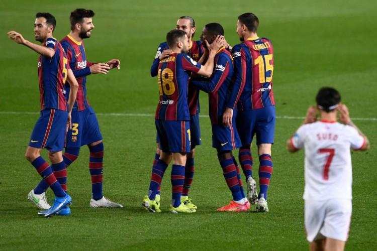 Entre os destaques desta segunda-feira, 15, está o jogo do Barcelona x Huesca pela La Liga  (Foto: Josep Lago / AFP)
