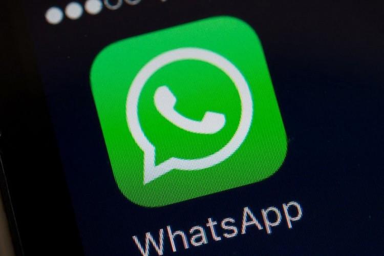 Durante as conversas, não será mais possível saber se a pessoa viu ou não sua mensagem de texto e de áudio caso habilitada o novo recurso.  (Foto: AFP)