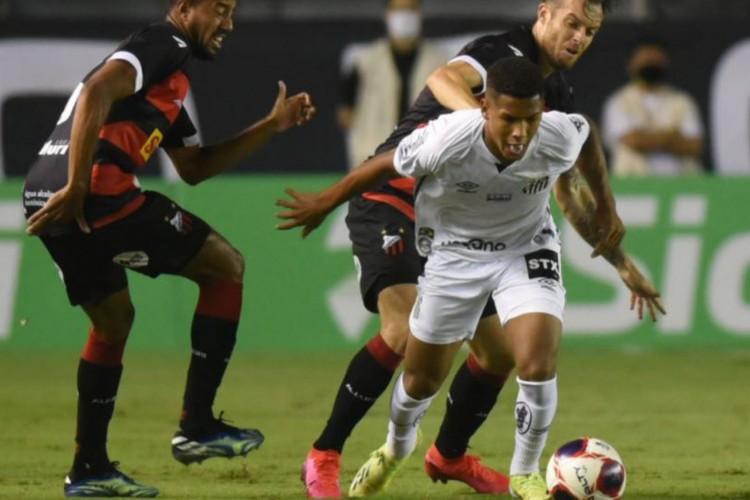 Partida do Campeonato Paulista entre Santos e Ponte Preta, que aconteceria em Volta Redonda, no Rio de Janeiro, foi cancelada (Foto: Divulgação/Santos FC)