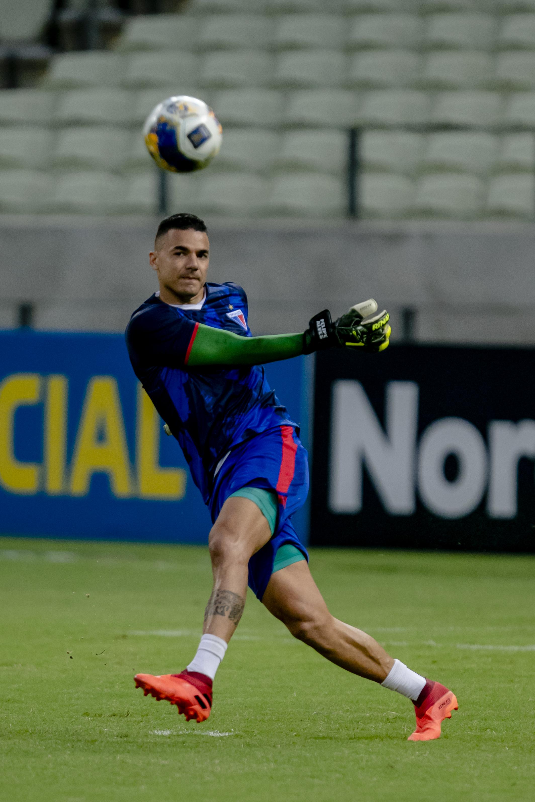 Felipe Alves e os demais titulares do Fortaleza devem ir a campo contra o Caucaia