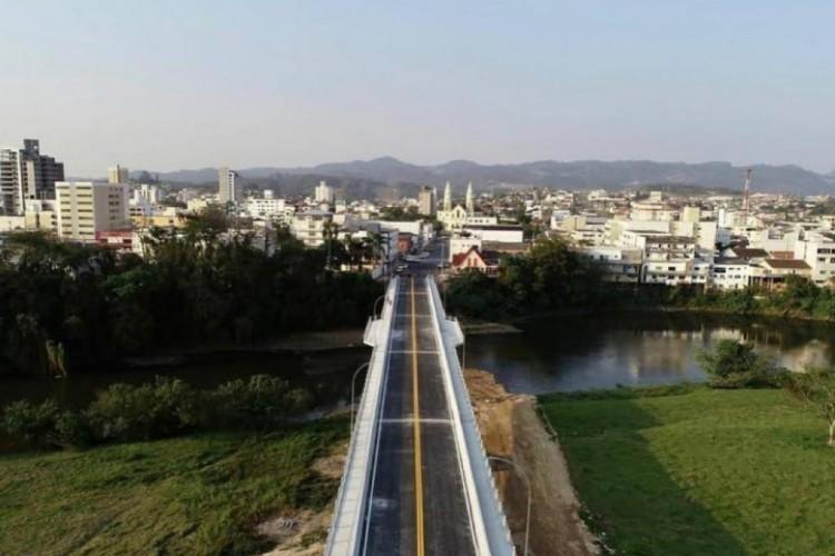 Ponte Celso Kindermann, no município de Braço do Norte, Santa Catarina. (Foto: Reprodução/ Instagram/ Prefeitura de Braço do Norte)