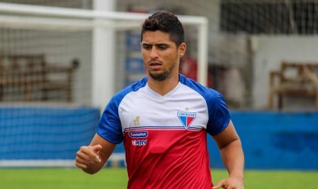 Lateral Daniel Guedes é opção do Fortaleza para o lado direito do campo