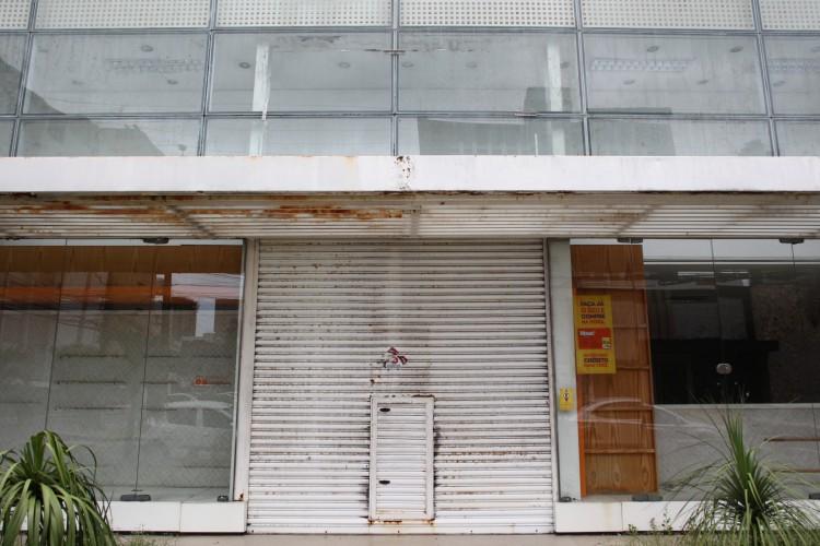 A pandemia impactou no fechamento de lojas em todo o País (Foto: FABIO LIMA)