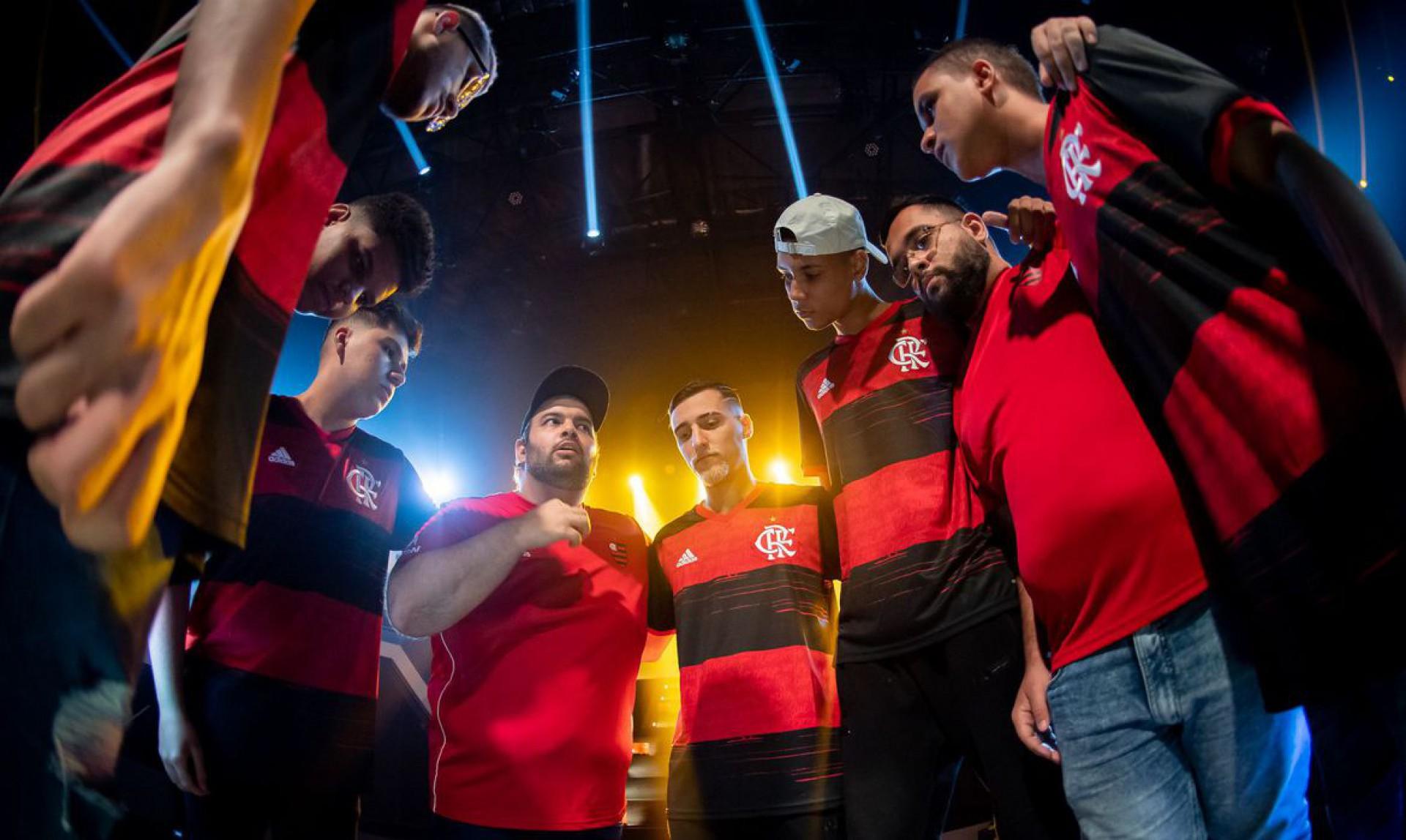 Coluna - Flamengo vai do céu ao inferno no LoL e Free Fire