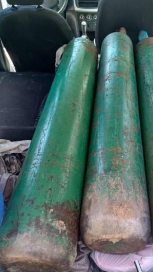 Quatro homens portavam três cilindros de oxigênio (Foto: Divulgação /PMCE)