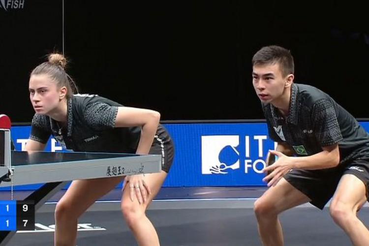 Bruna Takahashi e Vitor Ishiy sobem 32 posições no ranking mundial (Foto: )