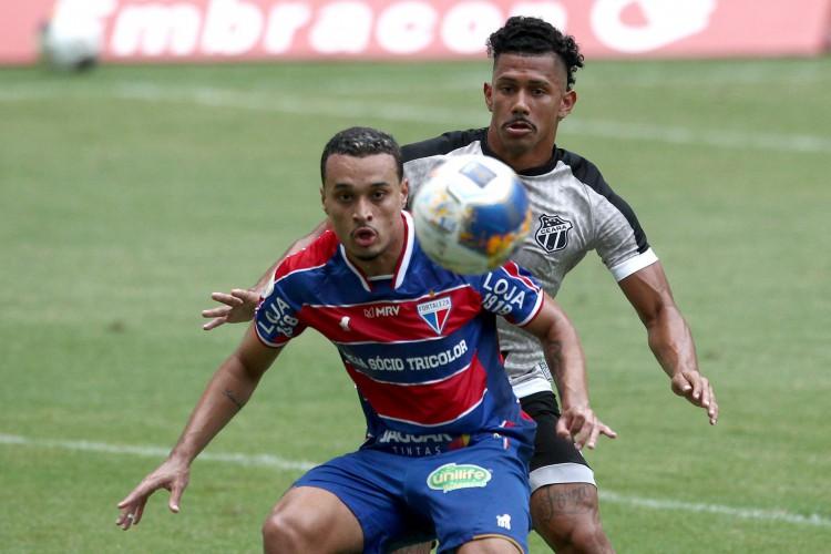 Luiz Henrique e Fernando Sobral são dois jovens atletas. Luiz tem 22 anos, enquanto Sobral tem 26. (Foto: FABIO LIMA/O POVO)