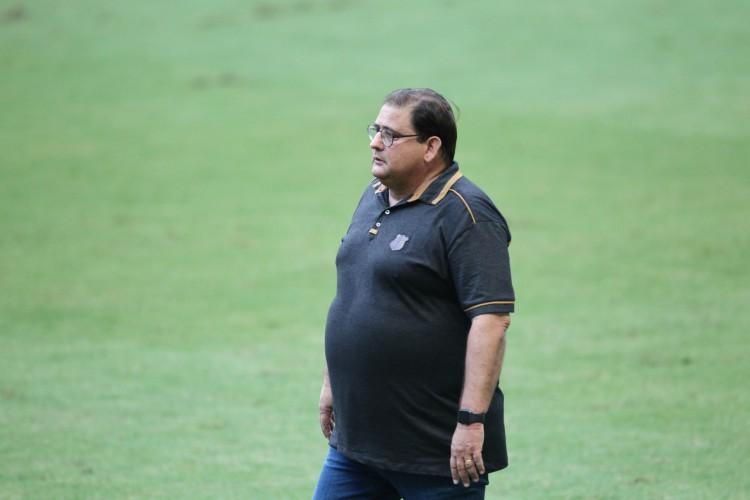 Em coletiva pós-jogo, Guto elogiou a entrada de Jael, mas criticou a falta de agressividade do Ceará em quebrar as linhas adversárias (Foto: FABIO LIMA/O POVO)