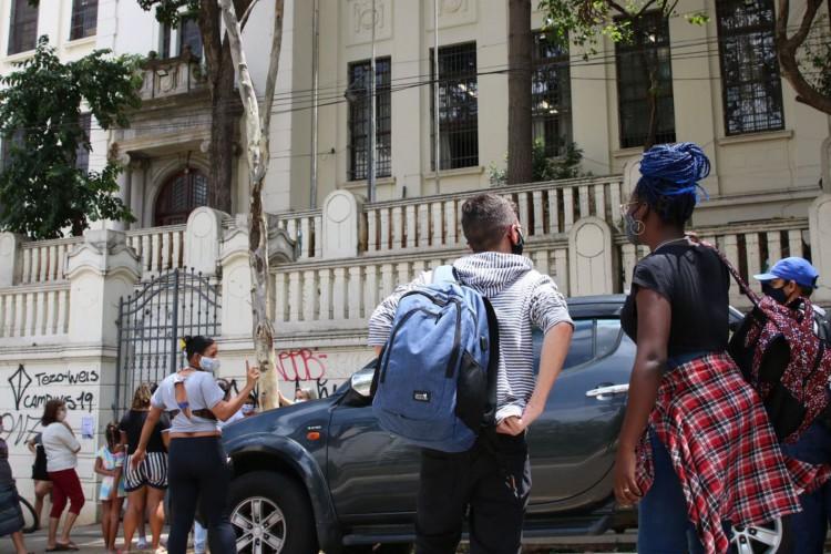 São Paulo - Início das aulas presenciais durante a pandemia de covid-19 na Escola Estadual Caetano de Campos, na Consolação. (Foto: Rovena Rosa/Agência Brasil)