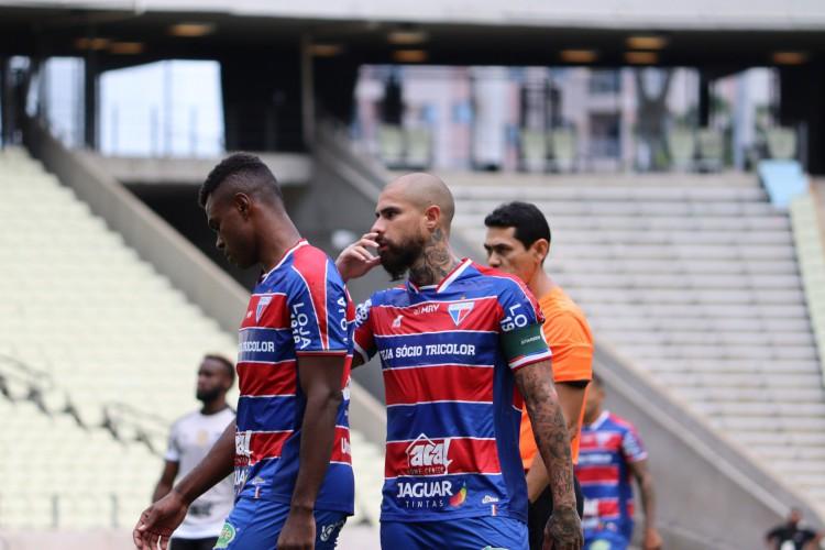 Zagueiros Wanderson e Quintero são titulares absolutos da defesa do Fortaleza (Foto: Leonardo Moreira/Fortaleza EC)