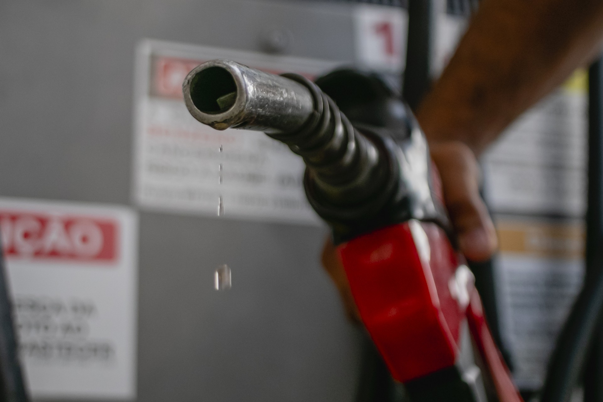 Reajustes espaçados feitos pela Petrobras também dificultam absorção do aumento pelo consumidor (Foto: Aurelio Alves)