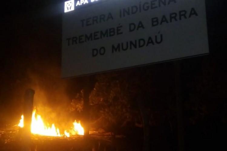 O incêndio aconteceu na noite desse domingo, 21. (Foto: Reprodução/Instagram)