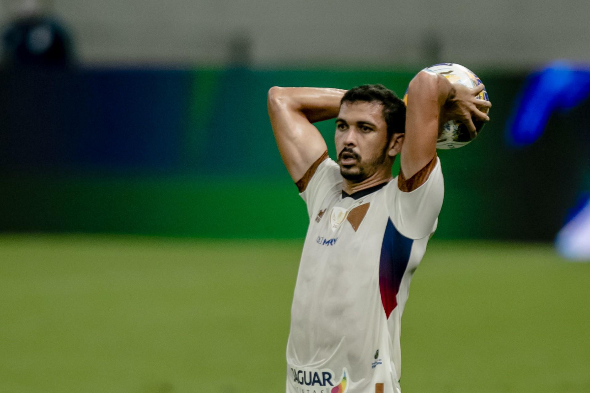 Bruno Melo ressalta que jogo com Bahia