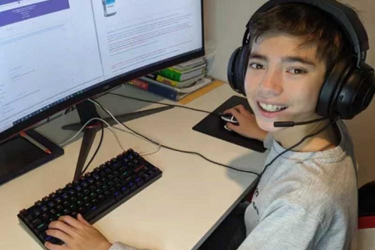 O garoto, de apenas 12 anos, criou um site para ajudar os mais velhos a agendarem a vacinação contra a Covid. (Foto: Foto: Arquivo Pessoal)