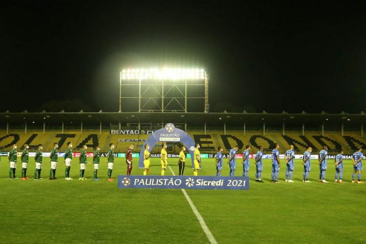 Federação Paulista de Futebol realizou dois jogos do Paulistão em Volta Redonda-RJ por causa proibição do futebol em São Paulo (Foto: Cesar Greco)