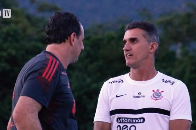 Rogério Ceni e Vagner Mancini conversam em último treino antes do jogo do Corinthians contra o Retro-PE (Foto: Imagem TV Corinthians)