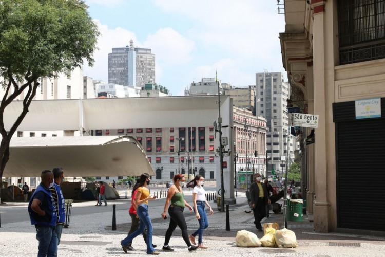 Comércio fechado na região central de São Paulo (Foto: Rovena Rosa/Agência Brasil)