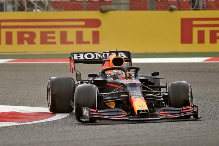 Max Verstappen conquistou a 6ª pole position da carreira, na Áustria  (Foto: Mazen Mahdi/AFP)