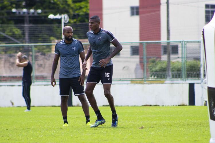 Zagueiro Messias e atacante Cléber podem pitar no confronto contra o CSA pela Copa do Nordeste (Foto: Marcelo Vidal / Ceará SC)