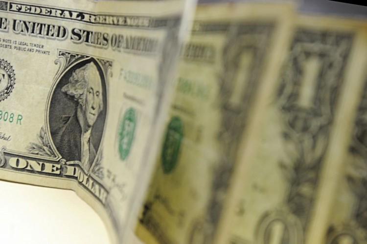 Dólar chega a R$ 5,80, mas reduz alta no fim da tarde (Foto: MARCELLOCASAL-ABR)