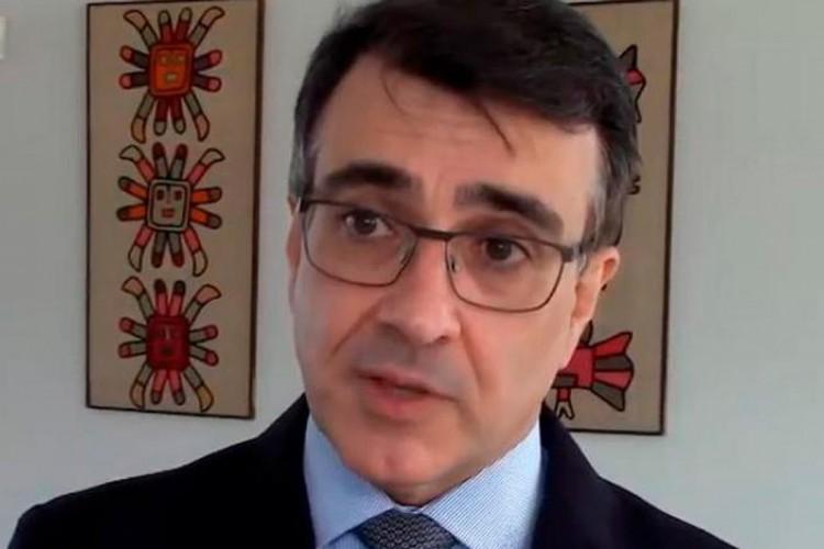 Carlos Alberto França morou por duas vezes na Bolívia e publicou livro sobre integração energética  (Foto:  (YouTube/Reprodução))