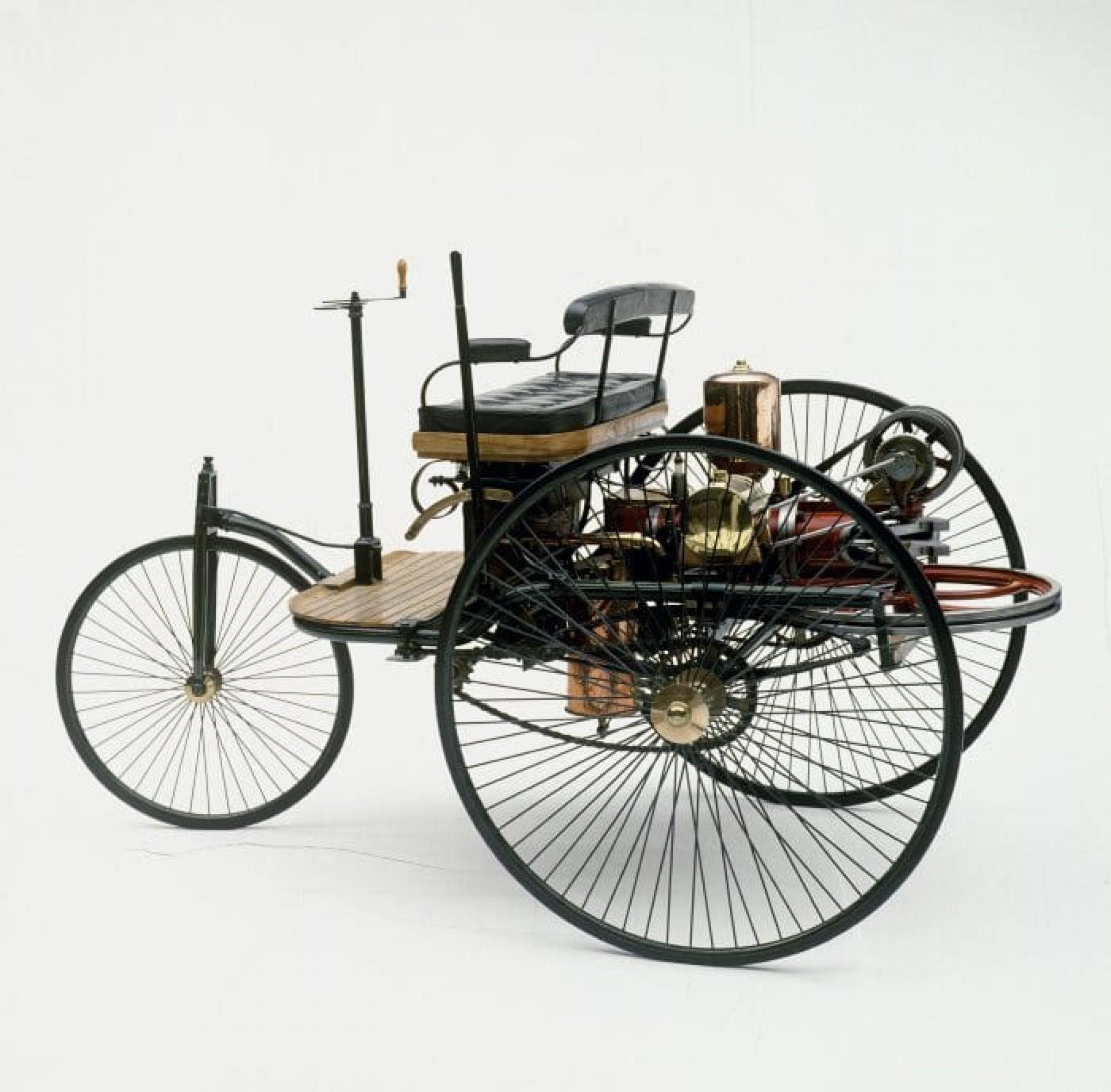 Mercedes: marca nasceu há 120 anos, numa derrapada de Herr Daimler