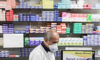 Fortaleza, Ceará Brasil 21.03.2020 Serviços Essenciais - funcionamento de farmácia durante o quarentena de combate ao corona virus.(Fco Fontenele/O POVO)