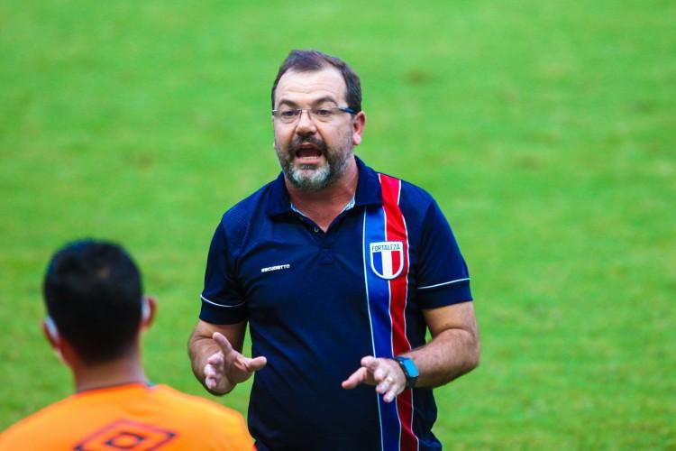 Enderson Moreira reencontra Dado Cavalcanti pela terceira vez em 2021 (Foto: Fabio Lima)