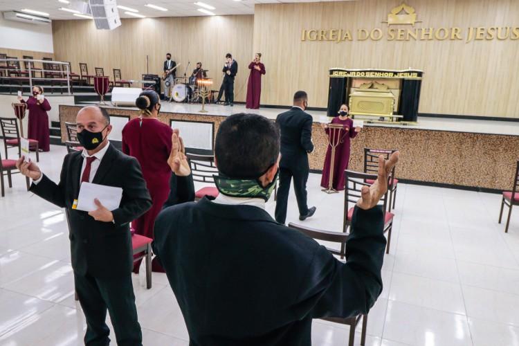Fortaleza em 5 de abril de 2021, Movimentacao no culto da igreja do Senhor Jesus, na messejana. O STF autorizou a abertura das igrejas, mesmo no lockdown devido da pandemida do covid-19. (Foro FCO Fontenele) (Foto: FCO Fontenele)